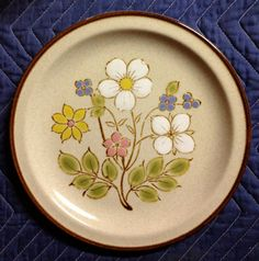 Items similar to Retro Vintage Stoneware Plate, Hand-painted, Japan, Candy Bush pattern, 2 available on Etsy Love Vintage, Vintage Stuff, Retro Vintage, Vintage Dishware, Flea Markets, Thrift Stores, Antique Stores, Vintage Fabrics, Different Patterns