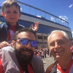 Uno de los mejores día de mi vida. Mi padre y mi hijo conmigo en el Calderón. Feliz. #atleti  #tagsforlikes #love #instagood #me #follow #cute #photooftheday #happy #beautiful #picoftheday #instadaily #fun #igers #smile #friends #selfie #instalike #amazing #bestoftheday