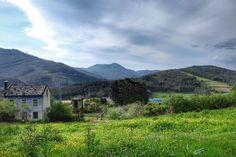 Los paisajes del Camino Norte de Santiago a su entrada en Mondoñedo son espectaculares. Además esta ciudad es el lugar más bonito que encontrarás en tu camino hacia Santiago. No dudes en hacerla final de etapa. No te arrepentirás!! #AsQuendasMondonedo