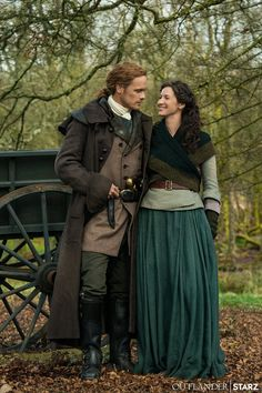 """Outlander on Twitter: """"Your first photo from Season 5 is here, clan! #Outlander… """" Claire Fraser, Jamie Fraser, Claire And Jamie, E Claire, Sam Heughan Outlander, Claire Outlander, Outlander Serie, Sam Heughan Caitriona Balfe, Outlander Casting"""