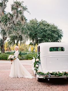 Grab a cup of coffee and settle in with us as we share this beautiful styled shoot from Paula Player Photography. Celebrating the hazy, warm red and pink hues of sunset in Charleston, pure southern charm is captured in all of its elegant glory. With a vintage car, gorgeous flowers and delicious cake, this styled shoot is …