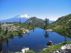 Adventure Journal's 7 Mountain Views to See Before You Die Mount Shasta from Heart Lake,California. Mount Shasta California, Beautiful World, Beautiful Places, California Wallpaper, Sierra, Back To Nature, Mountain View, Mountain Range, Plan Your Trip