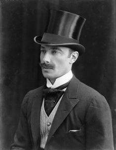 stache and top hat 33 Victorian Men, Victorian Fashion, Vintage Gentleman, Vintage Men, English Fashion, London History, Sports Pictures, Mug Shots, Moustache