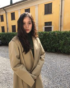 We went through Krystal Jung's recent best looks and screened through bits of her ensembles for your inspiration. Krystal Fx, Jessica & Krystal, Jessica Jung, Krystal Instagram, Foto Instagram, Krystal Jung Fashion, Idol, Uzzlang Girl, Wattpad