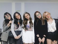 "On the day of ""In Your Area"" BLACKPINK's concert it was revealed that more celebrities attended the show. Mode Ulzzang, Ulzzang Korea, Ulzzang Girl, Jenny Kim, Jennie Kim Blackpink, Best Friend Photos, Best Friend Goals, Girl Korea, Rapper"