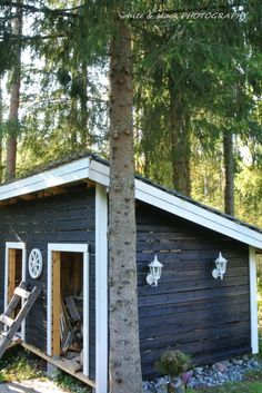 Liiteri edestä Red Cottage, Farm Life, Glamping, Perfect Place, Countryside, Places, Nature, Lawn And Garden, Naturaleza