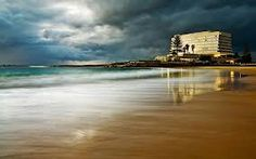 The Beacon Island Hotel in Plettenberg Bay South Africa - my favourite place in all the world. Heavenly Places, Wonderful Places, Beautiful Places, Amazing Places, African House, Holiday Places, Out Of Africa, Live, South Africa