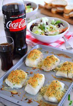 Ryba pieczona pod pierzynką parmezanową - MniamMniam.pl Witches Cauldron, Baked Salmon, Mashed Potatoes, Food And Drink, Tasty, Lunch, Meat, Chicken, Baking