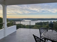 Endless views of the lake can be enjoyed from the covered patio off the Kitchen Selena Gomez House, Benjamin Moore Super White, White Oak Kitchen, Zen Place, Countertop Backsplash, Quarter Sawn White Oak, Wall Paint Colors, Backyard, Patio
