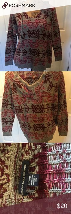 Sweater American Eagle hooded sweater. Good condition, never worn. American Eagle Outfitters Sweaters