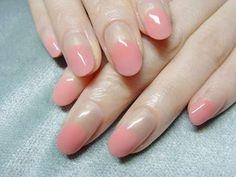 肌馴染みのよいピンクで丸フレンチ。