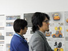 Our international jury from Japan and Sweden specialized in industrial design and design engineering selected the five most interesting proposals for the Toyota Logistic Design Competition. They provided the five designers with feedback on how to brush up their tow tractor designs and finally chose the top three.