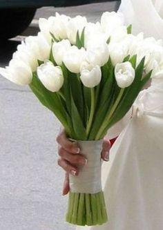 El símbolo máximo del amor es el tulipán, así que, ¿por qué no optar por un ramo con estas flores para tu boda? / Pinterest