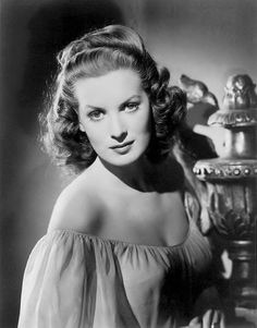 Such a beautiful woman - and oh, how she could hold her own with The Duke! ;-) Maureen O' Hara