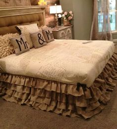 I need to make this dust ruffle and everything else in this room that is burlap!!