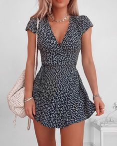 The most beautiful summer dresses from short to long. Informations About 20 schöne Sommerkleider Pin Cute Casual Outfits, Cute Summer Outfits, Spring Outfits, Cute Cheap Summer Dresses, Summer Casual Dresses, Ootd Summer Casual, Summer Sundresses, Outfit Summer, Dress Casual