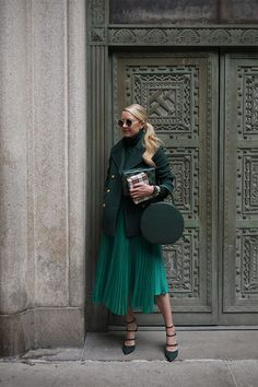 Holiday green! Click through for full outfit details... Atlantic-Pacific
