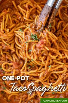 One-Pot Taco Spaghetti - perfect for when you can't decide between tacos & spaghetti! SO easy to make and is ready in 25 minutes! No need to pre-boil the pasta. It cooks along with the sauce. Ground beef, taco seasoning, Rotel tomatoes, chili powder, cumin, garlic, onion, tomato sauce, sugar, beef broth, heavy cream, crushed tomatoes, and spaghetti. Leftovers are delicious too! #pasta #spaghetti #taco #mexican #onepot