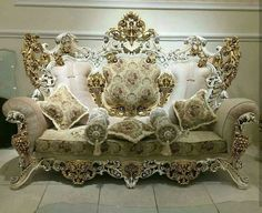 When decorating your home, it can be quite effective to add some European touches. A few classic European decorating accents […] Royal Furniture, Victorian Furniture, Home Decor Furniture, Vintage Furniture, Furniture Design, Wooden Furniture, European Decor, French Style Homes, Classic Home Decor
