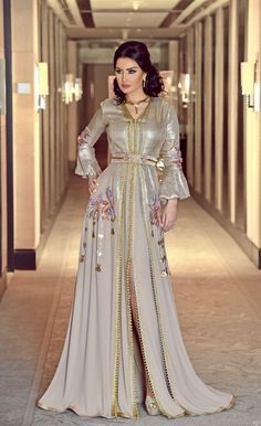 1425 meilleures images du tableau robe marocaine   Moroccan dress ... 9fbd3d86e3eb