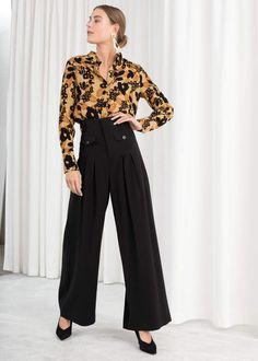 High Waisted Wide Leg Pants - Black - Wide Trousers - & Other Stories Wide Pants Outfit, Trouser Outfits, Wide Trousers, Wide Leg Pants, Fashion 2020, Office Fashion, Business Fashion, Fall Fashion, Mode Outfits