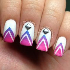 ombre triangle nail art
