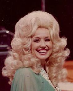 Dolly Parton has the most beautiful smile. Dolly Parton, Country Singers, Country Music, Beautiful Smile, Beautiful Women, Porter Wagoner, 70s Hair, Blonde Curly Hair, Hello Dolly