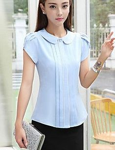 Women'S casual blouse - striped shirt collar in 2019 Red Blouses, Blouses For Women, Business Attire, Dresses For Teens, Work Attire, Mode Style, Corsage, Fashion Outfits, Womens Fashion