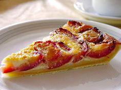 Swiss plum pie, a popular recipe from the cake category. Baking Recipes, Dessert Recipes, Desserts, Pumpkin Vegetable, German Baking, Chocolate Granola, I Chef, Plum Cake, Baked Pumpkin