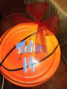 Basketball Paper plates for locker signs-EASY
