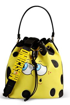 Moschino supports the Fight Sac Moschino, My Bags, Purses And Bags, Sacs Design, Latest Bags, Unique Purses, Cute Bags, Luxury Bags, Spongebob