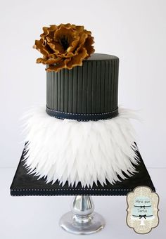 "Whether you're saying ""I do"" in the winter or on a sun-soaked beach in the summer, these unique wedding cake designs, from simply chic three-tiered cake with mint green color palette to glam, couture-inspired confections, are sure to inspire! Unique Wedding Cakes, Unique Cakes, Beautiful Wedding Cakes, Gorgeous Cakes, Wedding Cake Designs, Pretty Cakes, Unique Weddings, Amazing Cakes, Fondant Cakes"