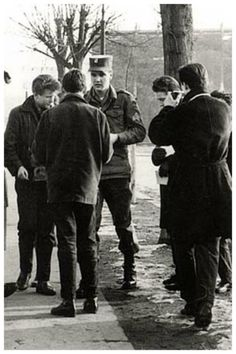 rare: Elvis and the guys in Germany