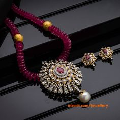 Diamond Pendant Set studded with Ruby Gold Jewellery Design, Bead Jewellery, Pearl Jewelry, Antique Jewelry, Gold Jewelry, Beaded Jewelry, Jewelery, Jewelry Sets, Indian Jewelry