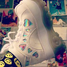 Retro sneakers. #DOLLSKILL