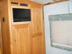 1995 Used Holiday Rambler Navigator 38WD Class A in Ohio OH.Recreational Vehicle, rv, 1995 Holiday Rambler Navigator 38WD, The RV can be inspected at The RV Clinic in Franklin, OH, 420 Conover Drive. Ask for Josh. If you're looking for a solid, classic motorhome, this Navigator is worth consideration. This is a LOT of motorhome for the money. We purchased this coach in January to tow our pro drag racing trailer. It needed TLC when we acquired it, and since reliability was an absolute must…