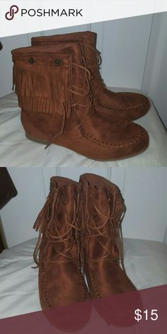 Wild Diva Brown Moccasins Boots Fringe 7 NWOB Cognac colored boots with fringe, size 7, never worn. Lace up to tie.  Flat, no heel. All man made materials. Brand is Wild Diva. Wild Diva Shoes Moccasins