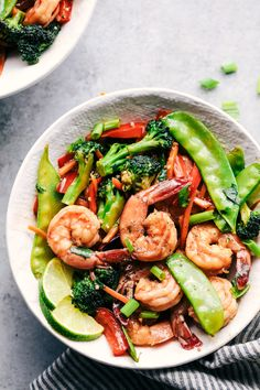 This Garlic Shrimp Stir Fry is one of the easiest meals that is packed with so many delicious veggies and ...
