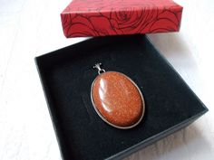 Pendant with sandstone, natural stone