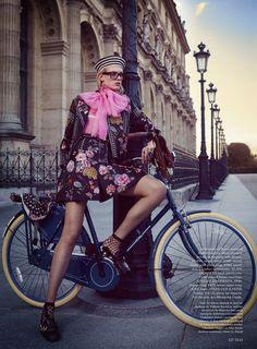 Tour de France: Charlene Hogger for Elle Magazine by David Burton Fashion Shoot, Editorial Fashion, Fashion Models, Car Editorial, Bike Fashion, Fashion Sites, Gothic Fashion, Fashion Fashion, Fashion Women