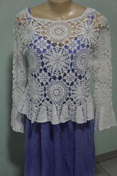 Blusa de crochê artesanal feita com a linha Cléa 1000. Modelo da Pingouin.