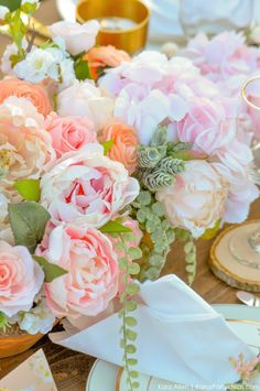 Looking for a perfectly styled Garden Party Tablescape + Free Printables? Kara's Party Ideas presents a rustic and chic tablescape that you have to see! Garden Party Decorations, Reception Decorations, Flower Decorations, Wedding Centerpieces, Garden Parties, Wedding Alcohol, Pretty Photos, Flowers Nature, Vases Decor