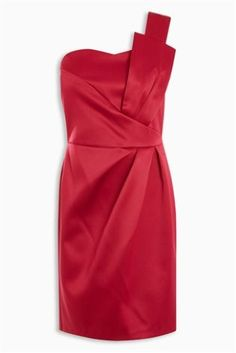 Red is the colour and THIS is the dress! Need a party outfit? Look no further!