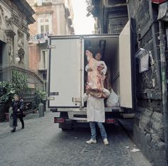 (A Door Opens: How to Conceal the Body of Evidence) Naples