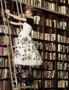 If you read more, you can be a gorgeous bookworm too! Didn't you know that is all it takes?? So TRUE!