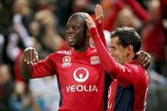 delaide United maestro Marcelo Carrusca pulled the strings in a 3-1 triumph against Sydney FC on Friday night which lifted the Reds to fourth on the A-League ladder.