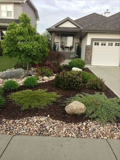 Front Yard Garden Design 62 Lovely and Fresh Front Yard Landscaping Ideas Small Front Yard Landscaping, Front Yard Design, Landscaping With Rocks, Outdoor Landscaping, Colorado Landscaping, Courtyard Landscaping, Front Yard Landscape Design, Landscape Rocks, Inexpensive Landscaping