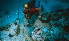 hms pandora 1791-A diver excavates part of the HMS Pandora, which sank on the Great Barrier Reef