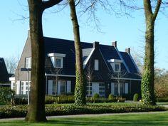 Klassieke woning met eigentijdse accenten te Nijverdal Overijssel - 01Architecten - Ontworpen door Dennis Kemper tijdens de periode dat hij bij EVE-architecten werkte.