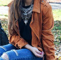 Ethnic necklace and suede jacket #boho #ethnic #necklace